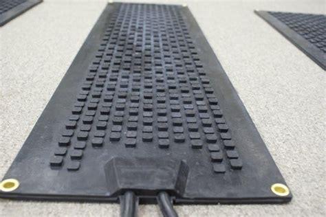 Heated Cubes Premium Snow Melting Stair Mats   Snow