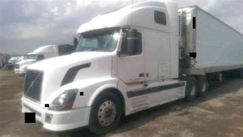 automatic volvo semi volvo 670 automatic white 2005 sleeper semi trucks