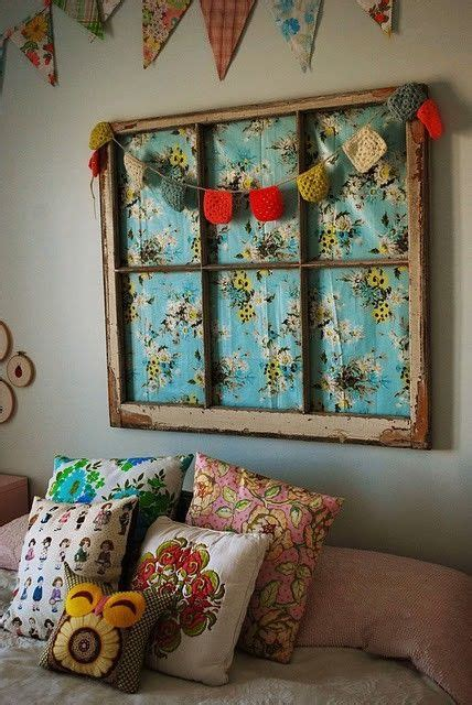 decorar cama con tela vieja ventana con tela como cabecero de cama ideas
