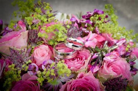 Welchen Zur Hochzeit by Welche Blumen Zur Hochzeit Gl 252 Ckw 252 Nsche Und Spr 252 Che Zur