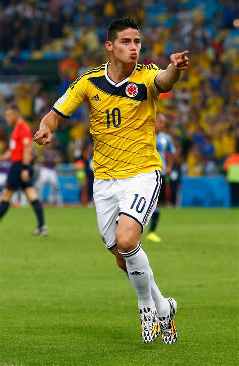 imagenes de james llorando en el mundial these are the hottest soccer players in the world