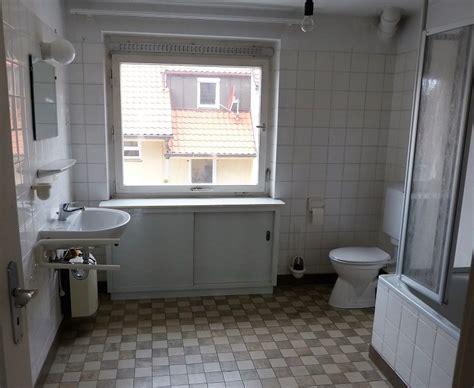 alte badezimmer fliesen aufpeppen altes badezimmer aufpeppen
