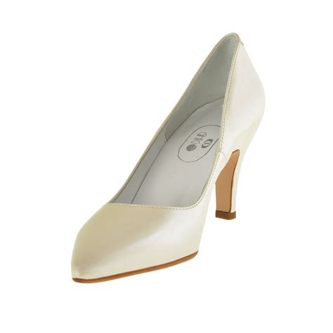 Ivory Leather by In Pearled Ivory Leather With Heel 7