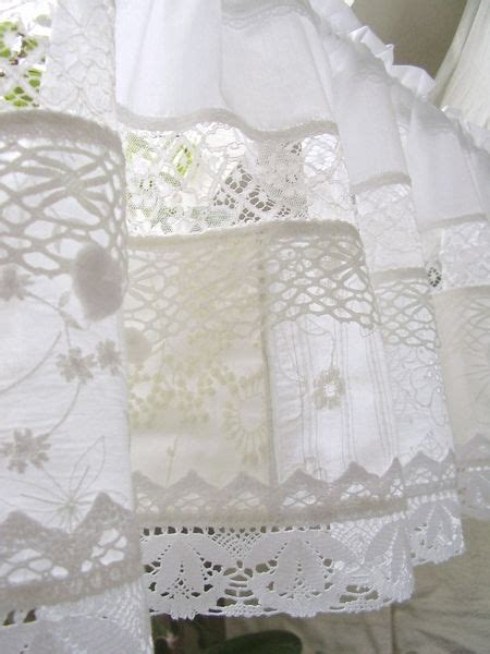 Tischdecken Landhausstil 249 by Looks Like Patched White Work Made Into A Sweet Valance