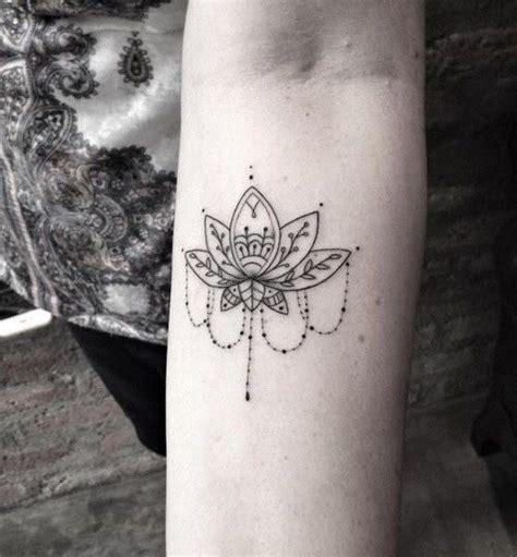 henna style lotus tattoo best 25 lotus design ideas on lotus