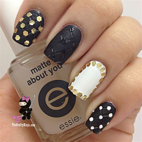 quilted nail art tutorial quilted glitter placement the crafty ninja