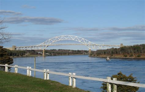 cape cod canal wychmere harbor harwich port ma thompson s clam bar and