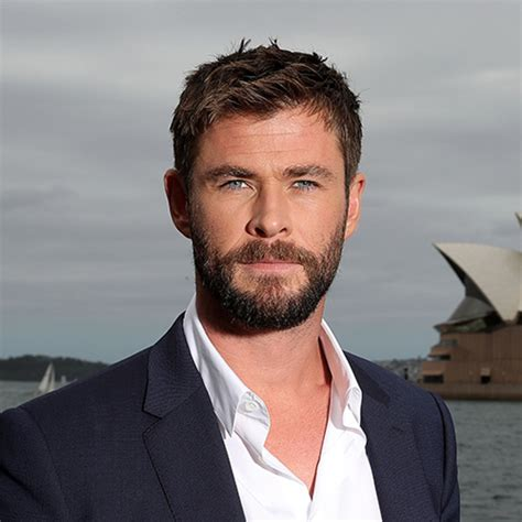 thor movie actor name chris hemsworth wife movies age biography