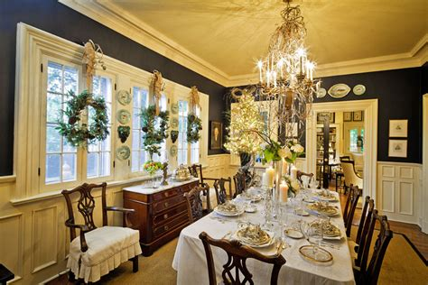 dining room christmas decorations ways to decorate your dinner table for maximum advantage