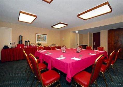 comfort inn rodi road comfort inn conference center pittsburgh pa omd 246 men