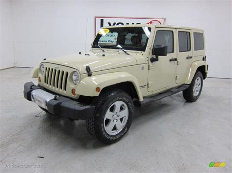 sahara jeep tan 2011 sahara tan jeep wrangler unlimited sahara 4x4