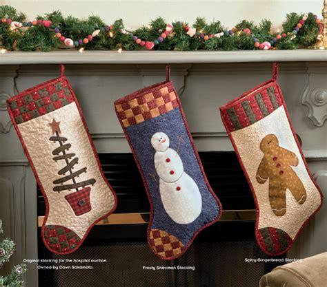 martingale christmas quilts  hopscotch
