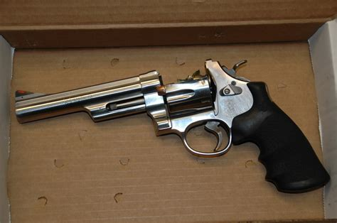 Mba Die Explosive Pistol by How Does This Happen The Exploding Revolver Pictures