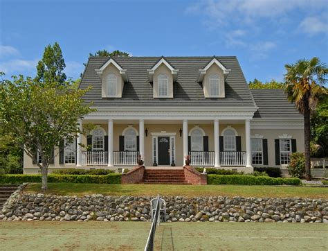 southern plantation style homes best 25 plantation style homes ideas on