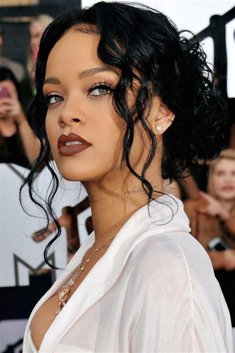 rihanna hairstyle ideas thehairstyler com 25 best ideas about rihanna curly hair on pinterest