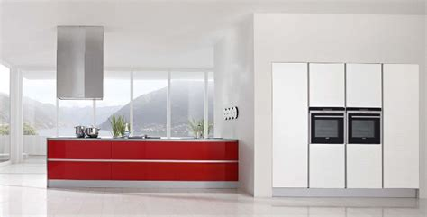 Red Kitchen White Cabinets | modern kitchen designs with red and white cabinets from