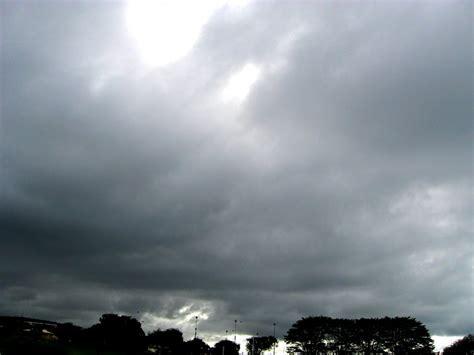 gray sky by qfirecracker on deviantart grey sky by purpleeclair on deviantart