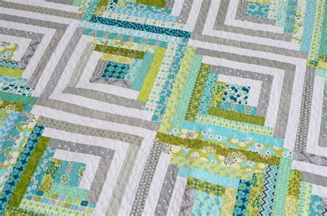 Modern Log Cabin Quilt by Hyacinth Quilt Designs Modern Log Cabin Quilt