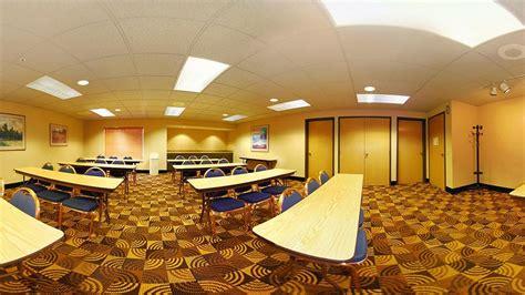 comfort suites points comfort suites in stevens point hotel rates reviews on