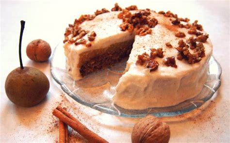 quitte kuchen joghurt creme torte mit birnen quitten karamellisierten