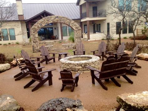 outdoor living furniture store o jpg