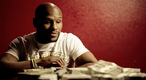 mayweather stack floyd mayweather takes out stacks of in middle of