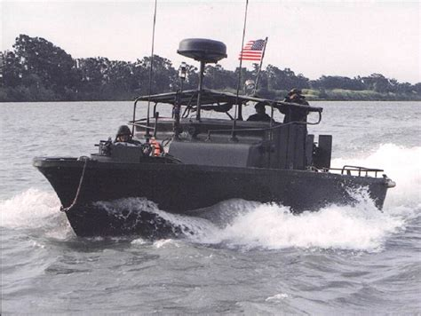 small boat vietnam a mk 2 pbr patrol boat river class moving at top speed