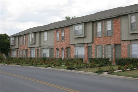 one bedroom apartments in harlingen tx adobe village apartments rentals harlingen tx