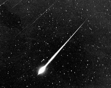 Meteor Shower Best Viewing Time by See The Best Viewing Times For The Alpha Capricornid