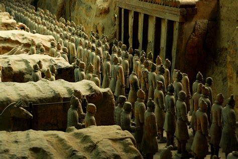 terracotta army statue  shaanxi thousand wonders