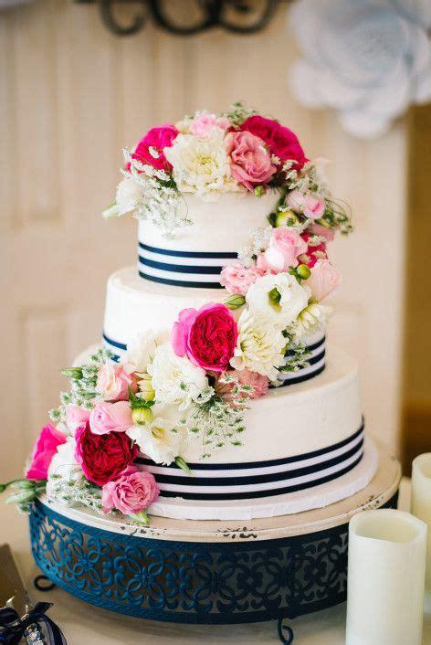 Wedding Cake Og by White Navy Blue And Pink Wedding Cake E E Wedding