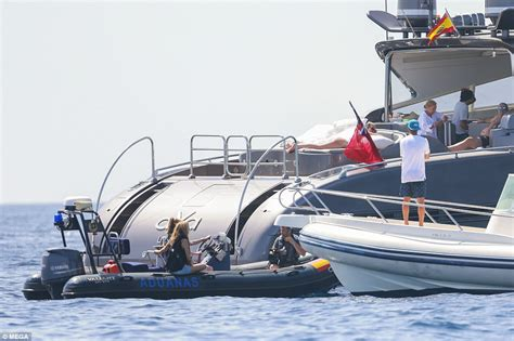 jacht ronaldo cristiano ronaldo s yacht boarded by officers in ibiza