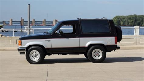 blue book used cars values 1990 ford bronco ii windshield wipe control 1990 ford bronco silver 200 interior and exterior images