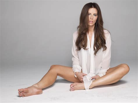 kate beckinsale brings some hollywood style glamour to an easter image gallery kate beckinsale model
