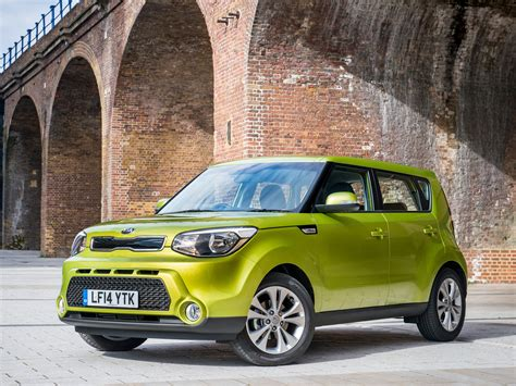 2014 kia soul earns five safety rating from nhtsa