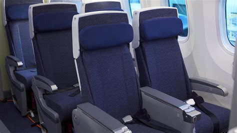 reclining seats on planes flight from newark diverted cops called over reclining