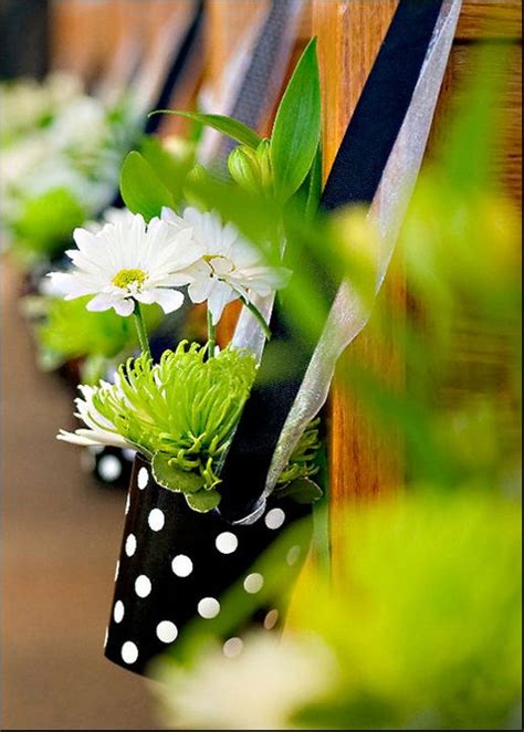 Wedding Aisle With Pictures Of Memories by 81 Best Images About Church Pews On Church