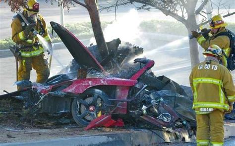 paul walker porsche crash paul walker s suing porsche lack of safety