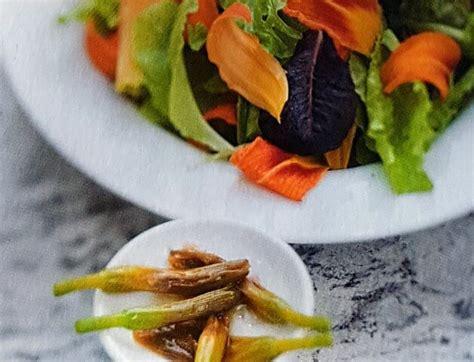 ricette con fiori commestibili ricette con fiori commestibili insalata di gigli con