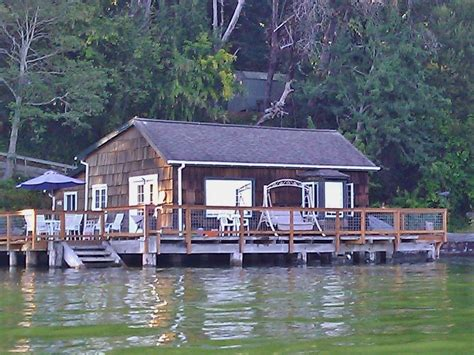 vrbo seattle boat vashon island vacation rental vrbo 332576 2 br puget