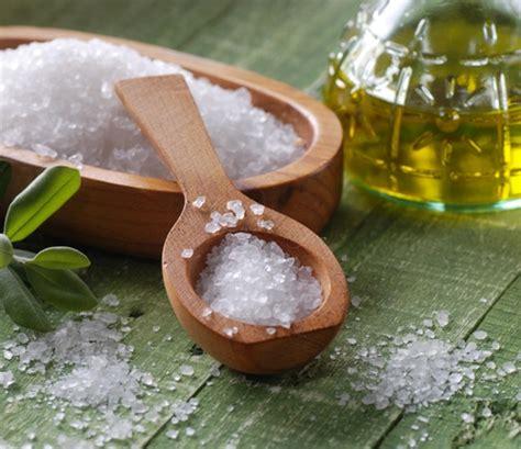 Minyak Zaitun Perawatan Kulit cara agar wajah tidak berminyak dengan air garam