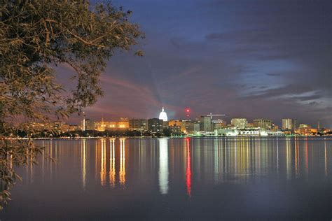 madison wi post college city guide madison wisconsin 171 career insider