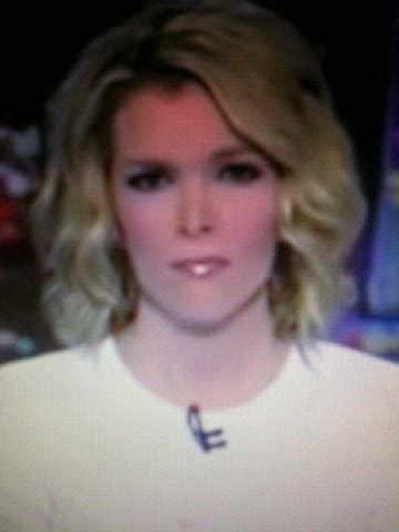 does megan kelly wear hair extensions why does megan kelly wear extensions