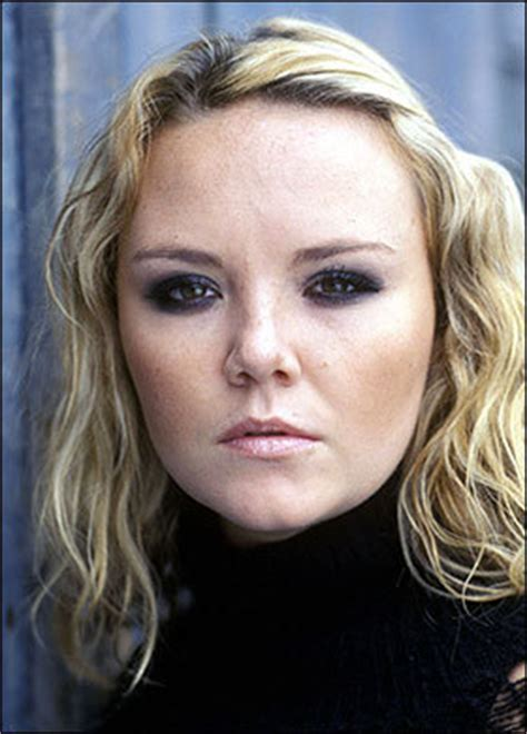 janine butcher curly hair what hair better suits janine eastenders fanpop