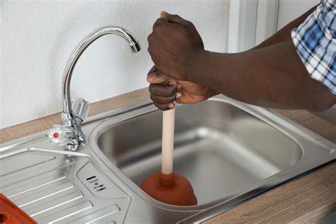 abfluss reinigen hausmittel verstopfte badewanne hausmittel dusche syphon reinigen