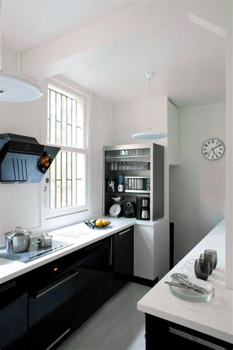 cuisine blanche et noir cuisine des photos d 233 co pour s inspirer c 244 t 233 maison