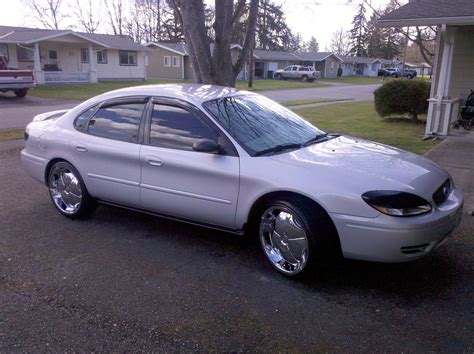 2005 Ford Taurus by 2005 Ford Taurus Information And Photos Momentcar