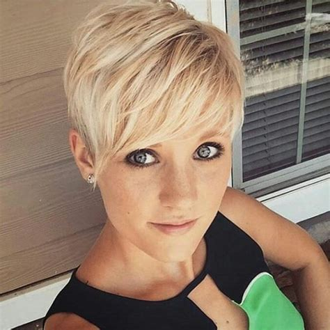 pixie haircut for strong faces 25 best ideas about pixie haircuts on pinterest pixie
