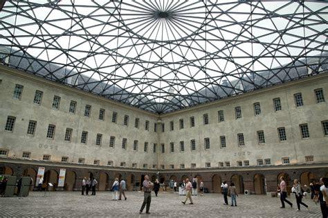 nationaal scheepvaartmuseum glass roof scheepvaartmuseum courtyard amsterdam