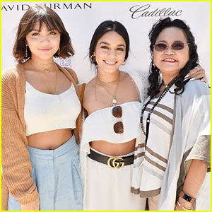 vanessa hudgens mom young hollywood celebrity news and gossip just jared jr